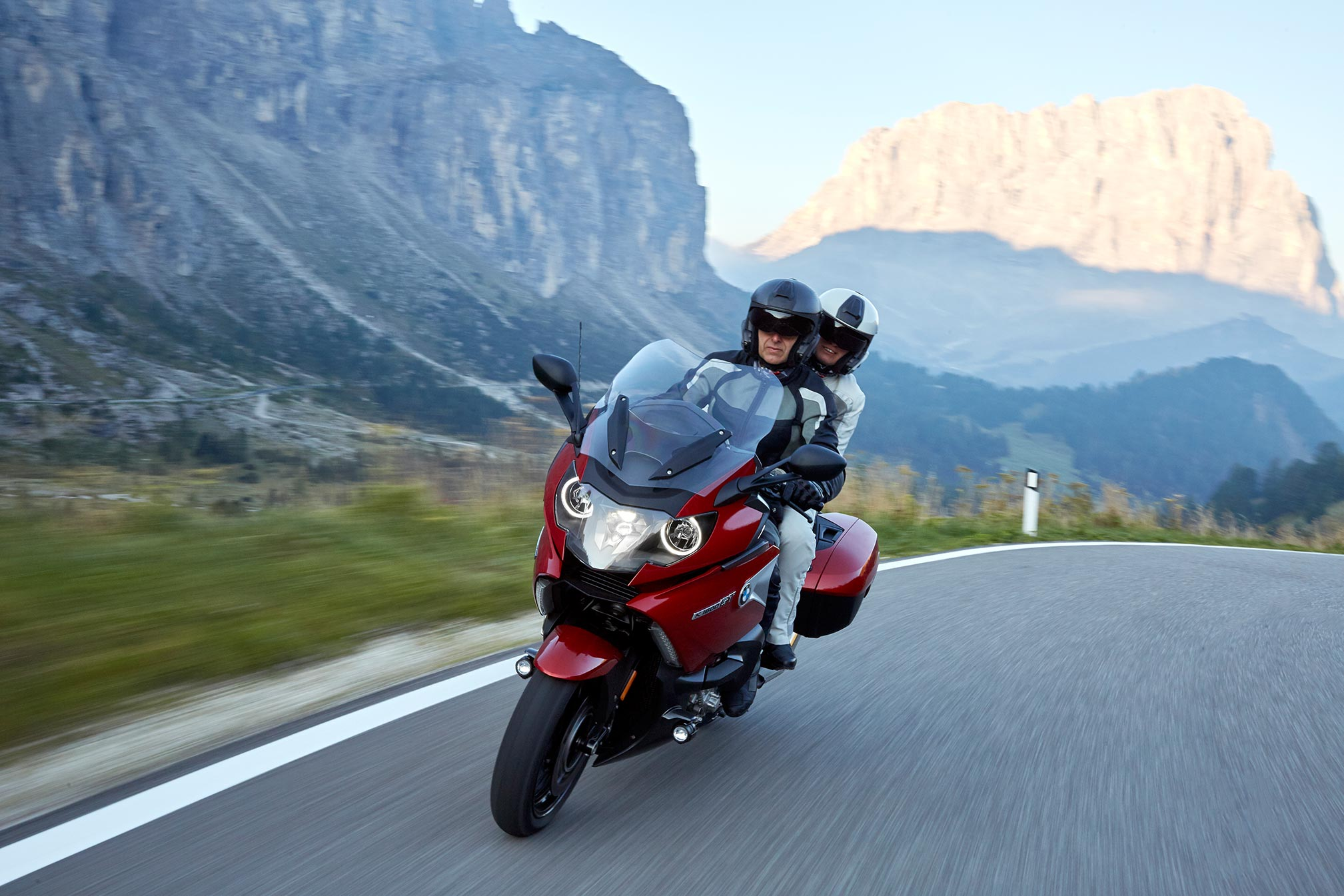 2017 BMW K1600GT Review