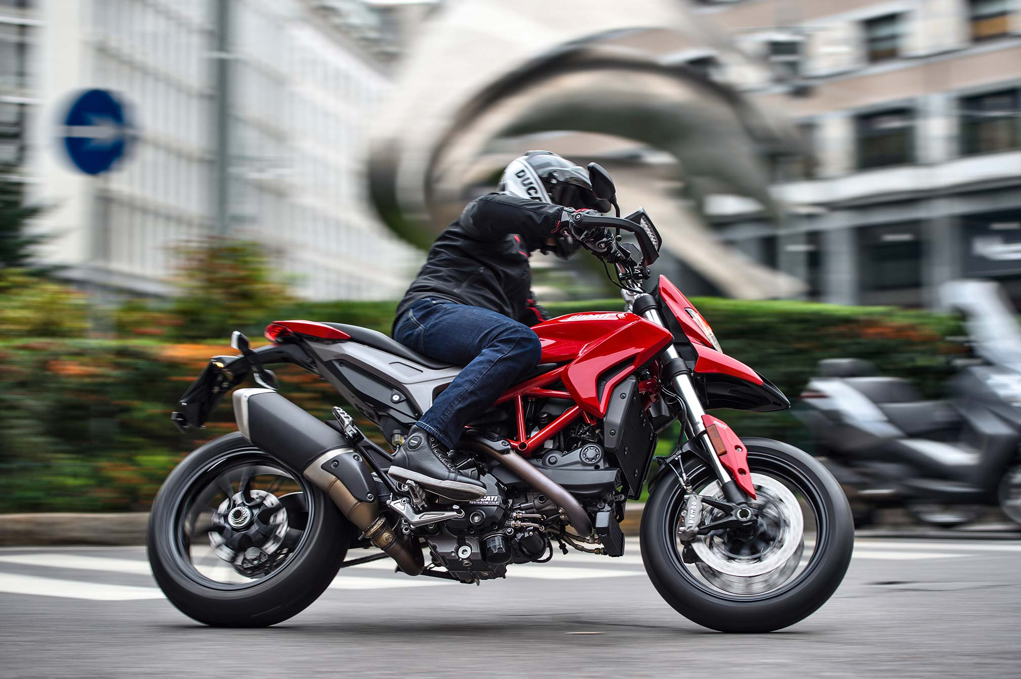2017 Ducati Hypermotard 939 Review