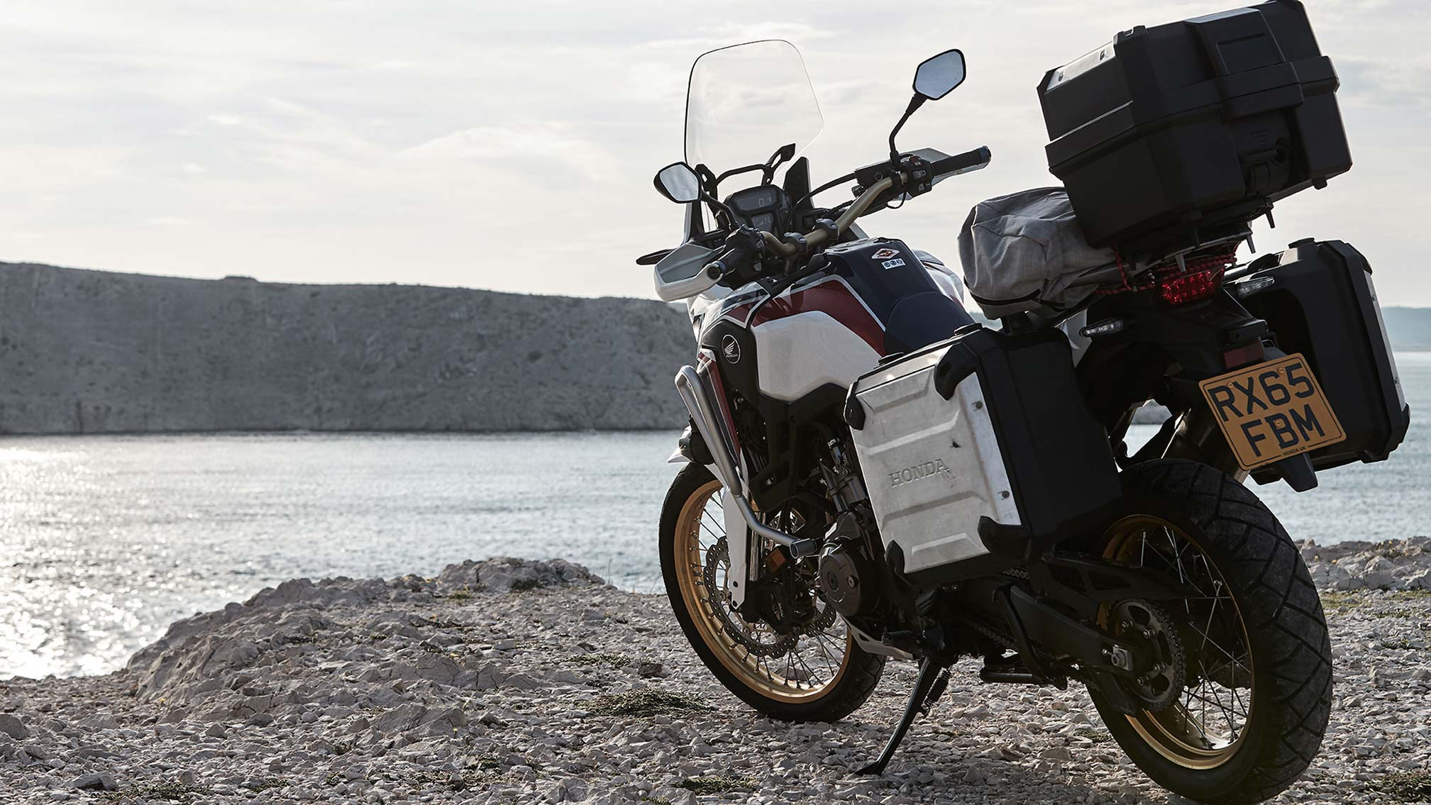 2017 honda africa twin crf1000l review. Black Bedroom Furniture Sets. Home Design Ideas