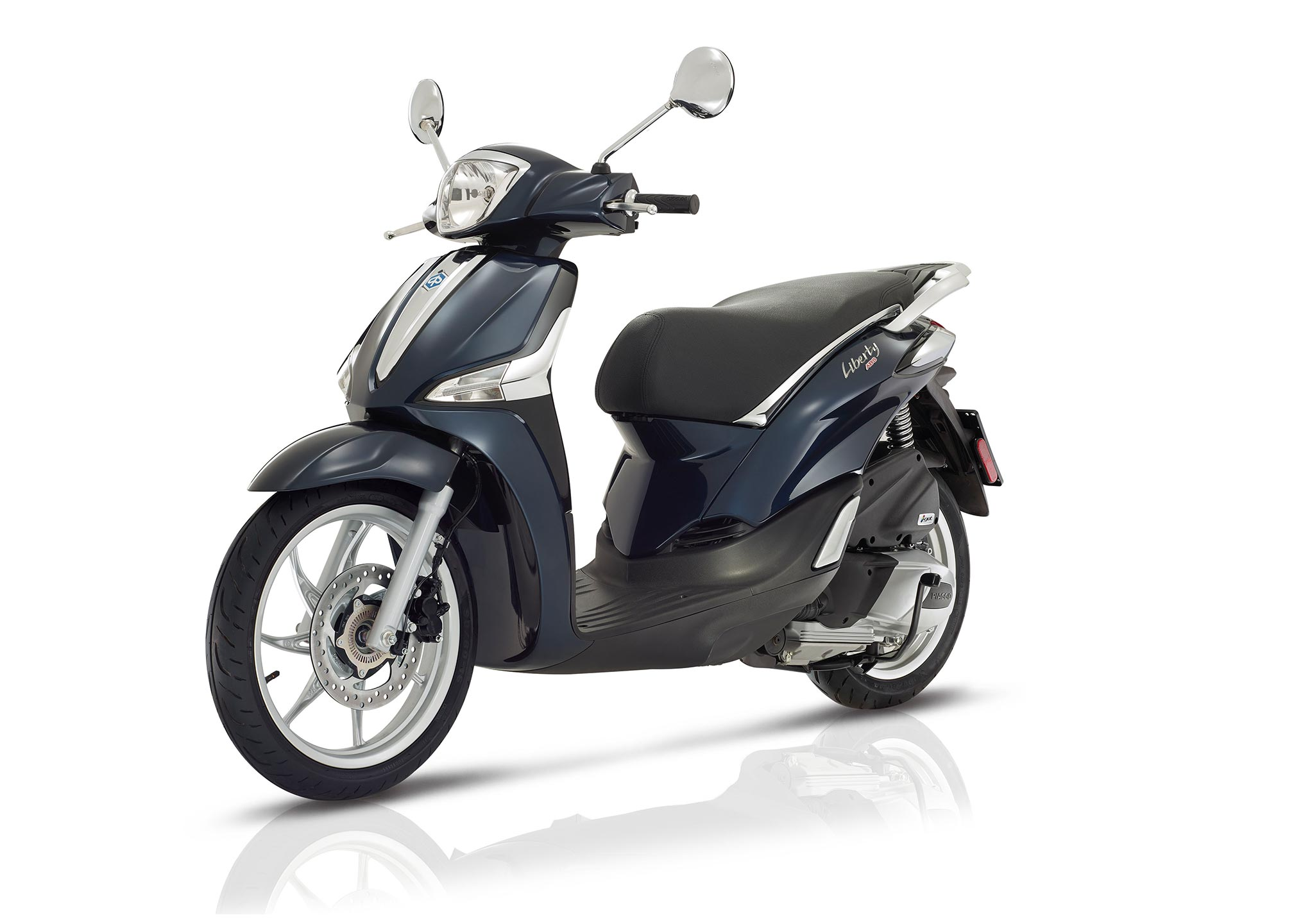 2017 piaggio liberty 125 abs iget review. Black Bedroom Furniture Sets. Home Design Ideas