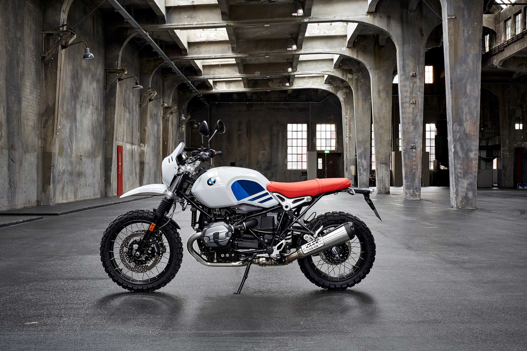 2018 bmw r ninet urban g s review totalmotorcycle. Black Bedroom Furniture Sets. Home Design Ideas
