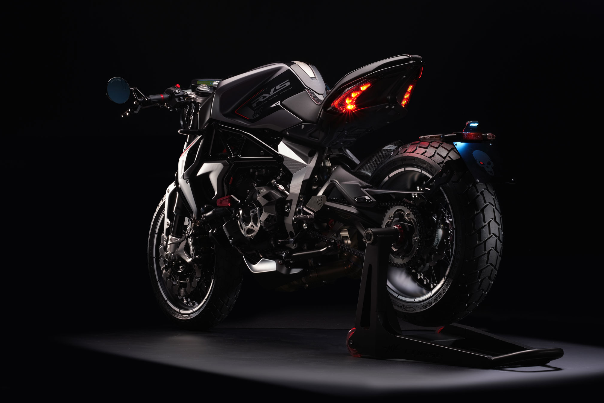 2018 mv agusta rvs 1 review totalmotorcycle. Black Bedroom Furniture Sets. Home Design Ideas