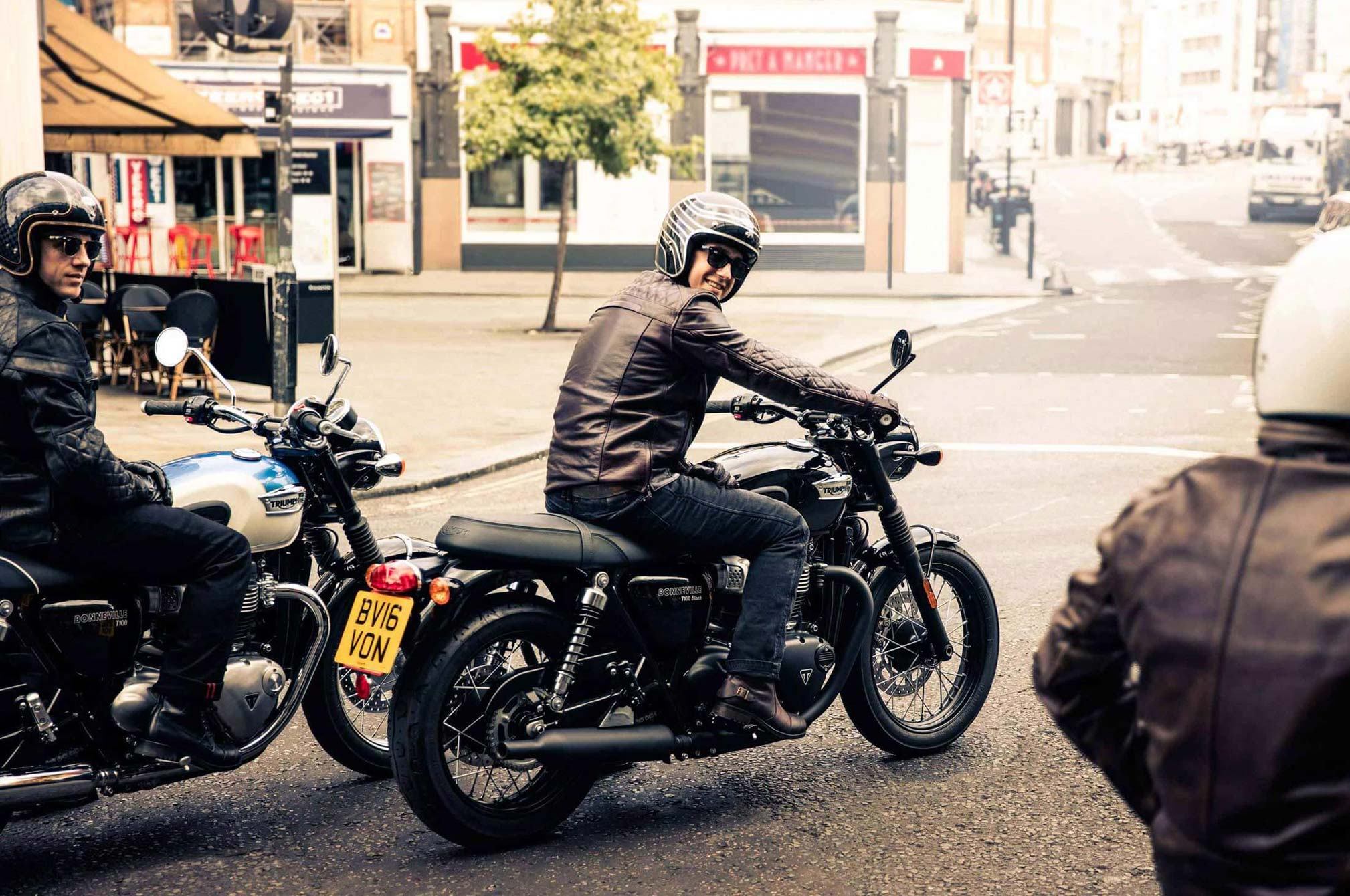 2018 Triumph Bonneville T100 Black Review - TotalMotorcycle