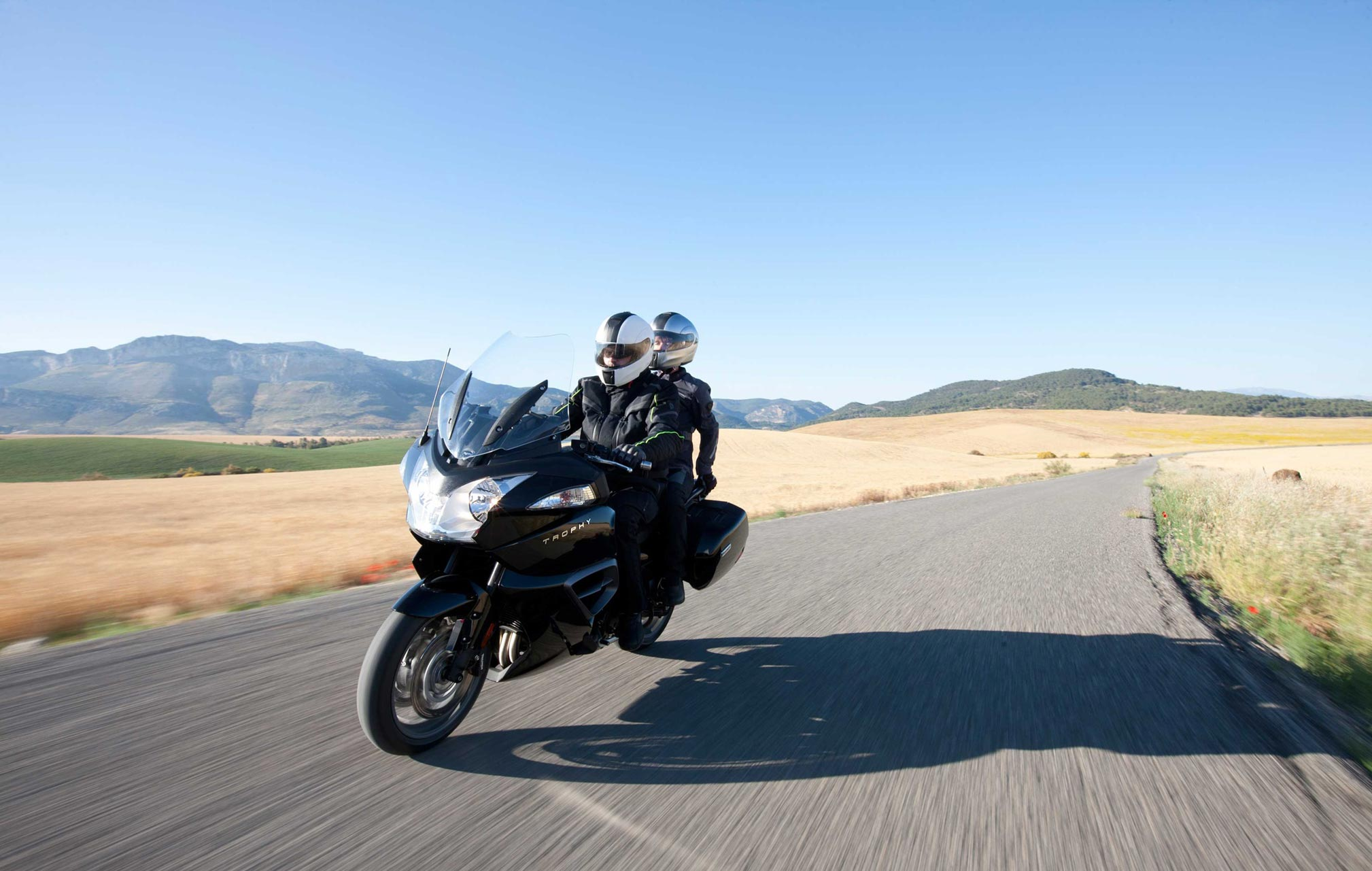2018 triumph trophy se review - totalmotorcycle
